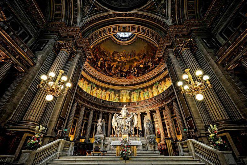 optreden in kathedraal in parijs